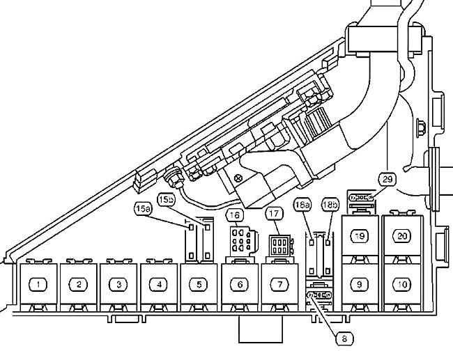 Центр реле в моторном отсеке (версия 2)