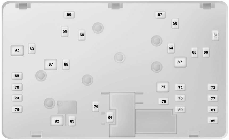 Схема блока предохранителей в моторном отсеке (внизу)