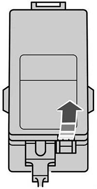 Расположение блока предохранителей в моторном отсеке