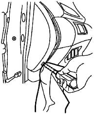 Расположение блока предохранителей на приборной панели (LHD)